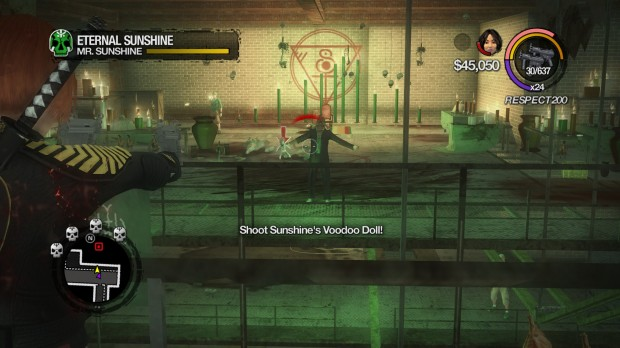 Uno dei boss-fight ci vede addirittura affrontare un prete voodoo immortale, il tono del gioco non potrebbe essere più distante di così, dal primo episodio.