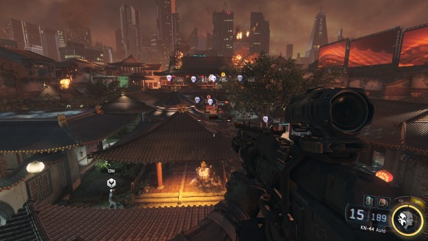 Scena di gioco buia e con colori da Blade Runner.