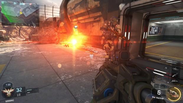 Il nostro soldato ha sparato una granata e dove è atterrata c'è una stella gialla e rossa.